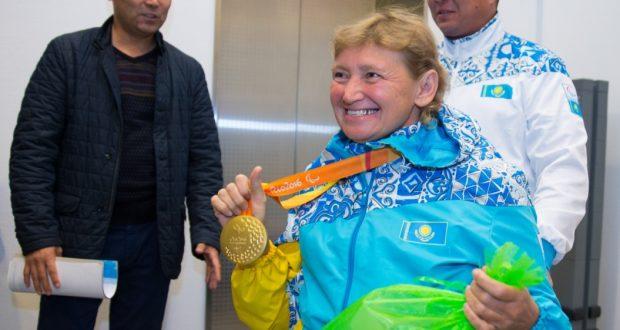 Пловчиха Зульфия Габидуллина завоевала серебряную и две бронзовые медали на ЧМ среди паралимпийцев