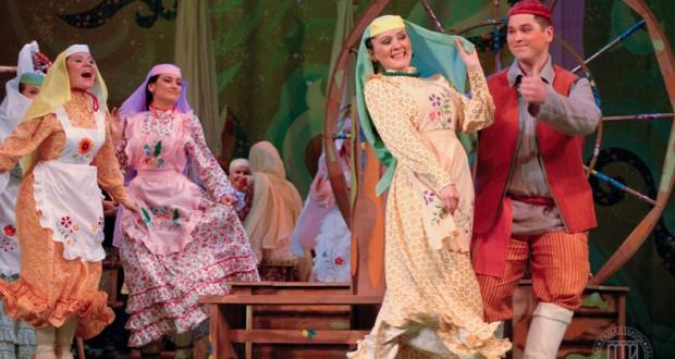 Театр — татарны яшәтүче көч
