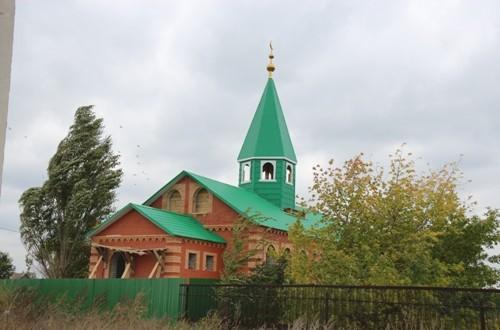 На минарет мечети села Хворостянка Самарской области установили полумесяц