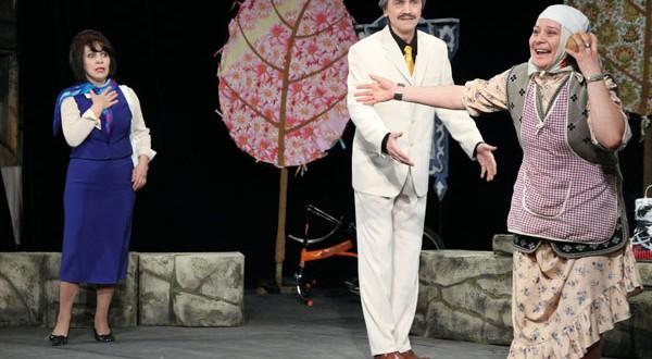 Кариев театры армиягә татарстанлылар янына спектакль белән бара