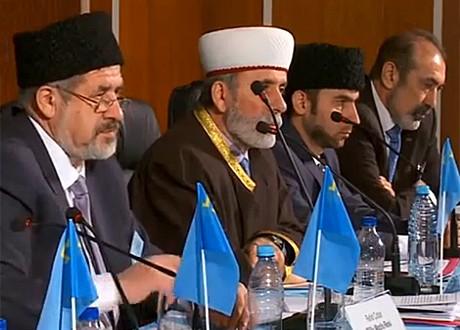 Tatarstan President Rustam Minnikhanov attended the extraordinary Kurultaj ( Congress) of the Crimean Tatars