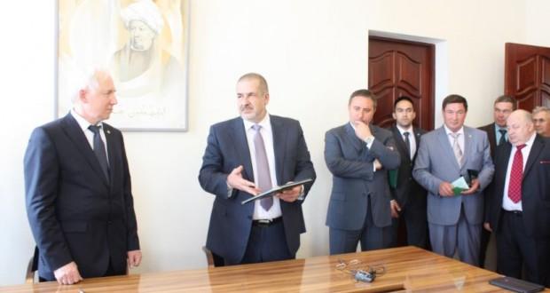 Подписание Договора о сотрудничестве Меджлиса крымскотатарского народа и Международного союза общественных объединений ВКТ на 2014-2018 годы