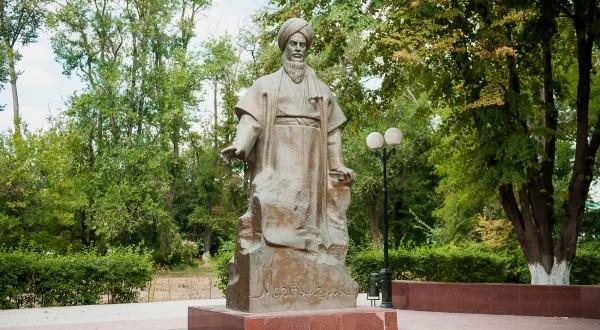 Состоялась презентация сборника стихов туркменского поэта Махтумкули Фраги на татарском языке
