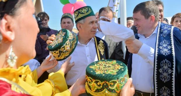 Президент Татарстана принял участие во Всероссийском сельском Сабантуе