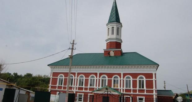 Красная мечеть в Уральске