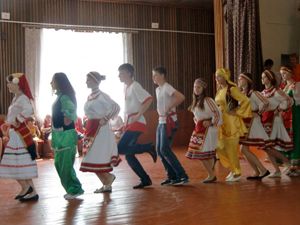 """В Сивини завершил работу этнический лагерь для детей """"Живи, родной язык!"""""""