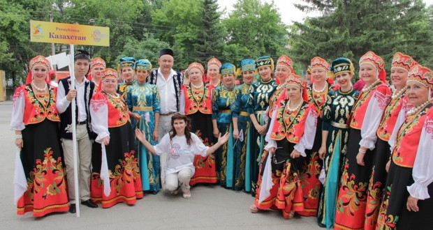 Татарский народный ансамбль песни и танца «Иртыш Моңнары» из Семея начал запланированный «Рейс Мира»