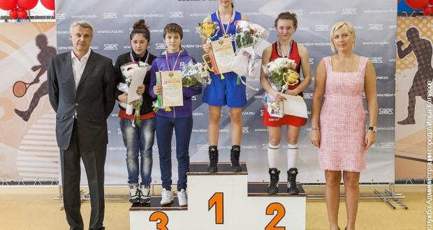 17-летняя чемпионка РФ по боксу Гелюса Галиева из Татарстана стала чемпионкой Европы по боксу