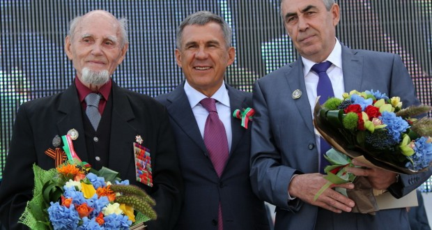 Рөстәм Миңнеханов Г.Тукай исемендәге Дәүләт премияләрен тапшырды