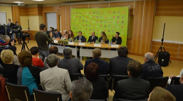 ТР Премьер-министры Чиләбе өлкәсенең татар җәмгыяте вәкилләре белән очрашты
