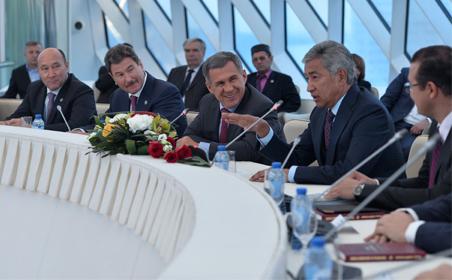 Рустам Минниханов встретился в Астане с руководителями татарских общин Казахстана