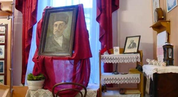 В пензенской гимназии появился портрет татарского писателя Мусы Акжигитова