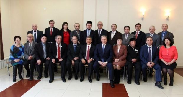 Рустам Минниханов встретился с представителями Конгресса татар Курганской области