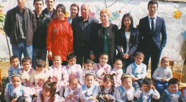Активисты и молодежь татарского национального культурного центра «Идель» Джизакской области в гостях у воспитанников Солнышка