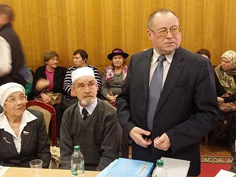 За круглым столом татарского общественного движения с болью и тревогой обсуждали состояние родного языка и сокращение сферы ее применения