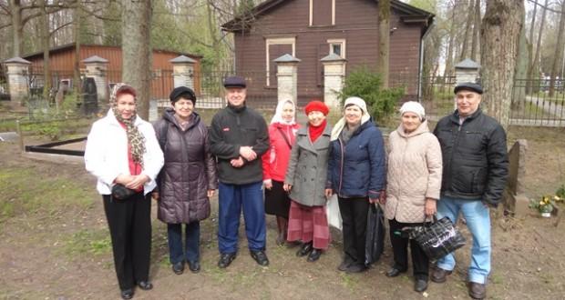 Татары и башкиры Латвии провели субботник по уборке мусульманских кладбищ