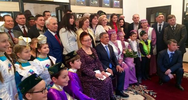Рустам Минниханов встретился с татарской диаспорой Азербайджана