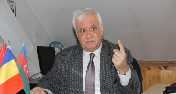 Историк, переводчик, дипломат, политик Тасин Джемиль