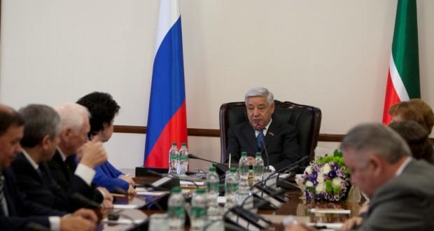 Торжественное собрание депутатов и общественности, посвященное 25-летию становления парламентаризма в современной истории Татарстана, состоится 30 мая
