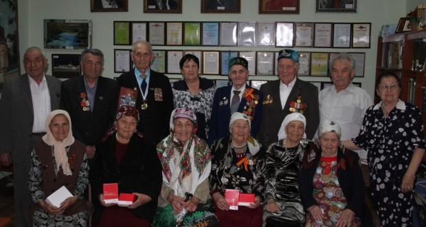 Кыргызстандагы татар ветераннарына Татарстан бүләге тапшырылды