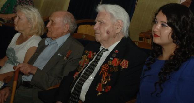 """""""Кызыл тан"""" завершил республиканский журналистский марафон """"И штыком, и пером"""""""