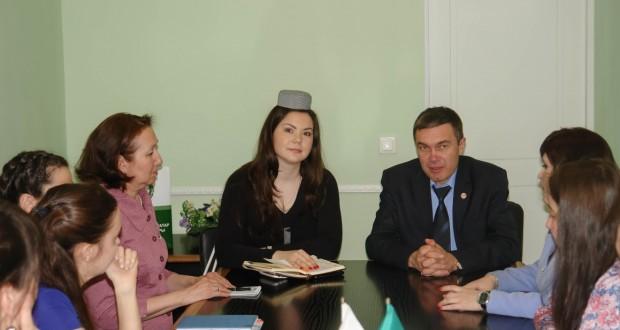 Встреча с делегатами III Всемирного форума татарских женщин в Петербурге