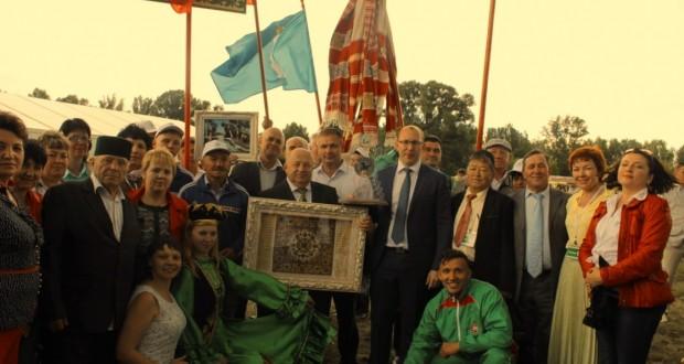 Ульяновской области передан символ Всероссийского сельского Сабантуя