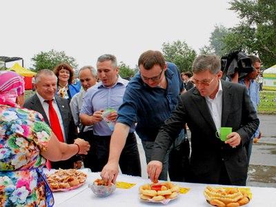 Тюменцам предлагают испечь «Именинный бавырсак»