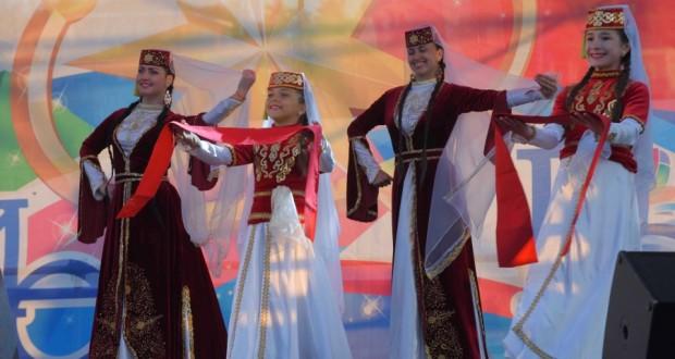 Лауреаты «Созвездия-Йолдызлык» дали гала-концерт в Бахчисарае