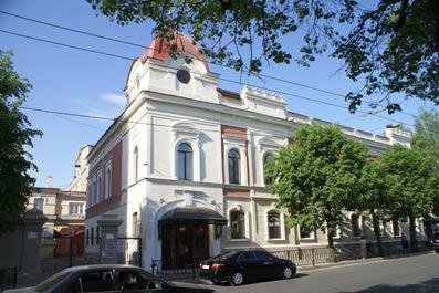 Тинчурин театры Хельсинкига бара