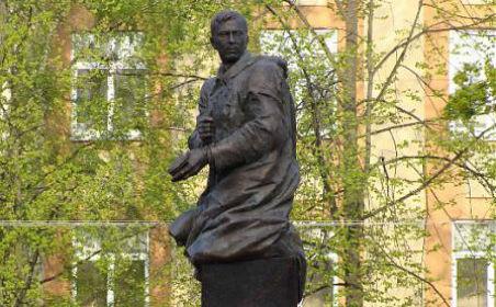 25 августа в г. Санкт-Петербурге и Ленинградской области состоятся торжественные мероприятия, посвященные памяти поэта-героя Мусы Джалиля