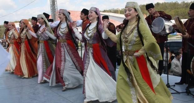 Кырым татарлары фольклор ансамбле гастрольләре