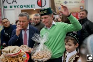 губернатор получил подарки от татар