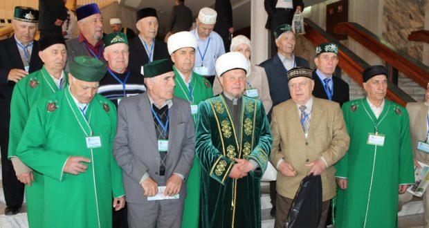 «Милли тормыш һәм дин» VII Бөтенроссия татар дин әһелләре форумының I өлешеннән фоторепортаж.