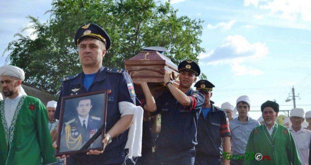 В селе Вязовый Гай простились с боевым летчиком Ряфагатем Хабибуллиным