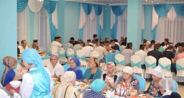 В Красном Селе впервые прошел ифтар от имени Республики Татарстан