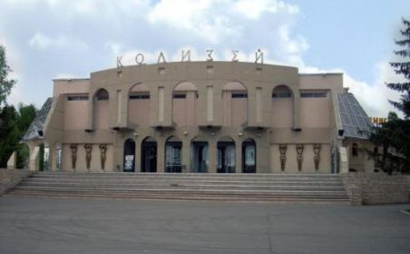 Яр Чаллы хакимияте шәһәрдәге татар театрына бина алып бирергә җыена