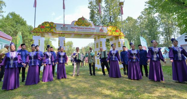 Татарстан Президенты Түбән Новгород шәһәрендә XVI Федераль Сабантуйда катнашты