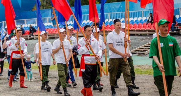 За барана праздника «Сахалинский Сабантуй» боролись 32 человека