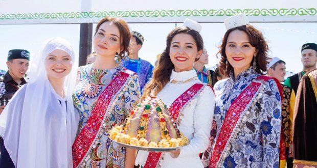 Сабантуй 2016: рекордный чак-чак от челябинского конгресса татар и новые «звезды»