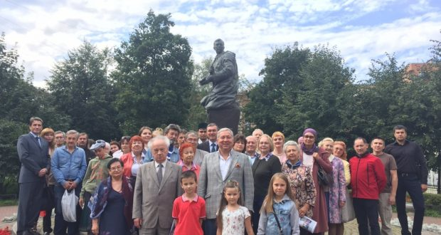 Татарская общественность Санкт-Петербурга почтила память поэта-воина  Мусы Джалиля