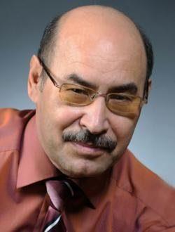 Руководитель Оренбургского татарского театра Растам Абдуллаев отмечает 70-летний юбилей