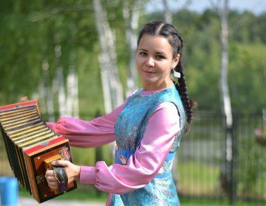 «Звезда Сибири» Алсу Хафиз представит Тюменскую область на международном конкурсе «Татар кызы»