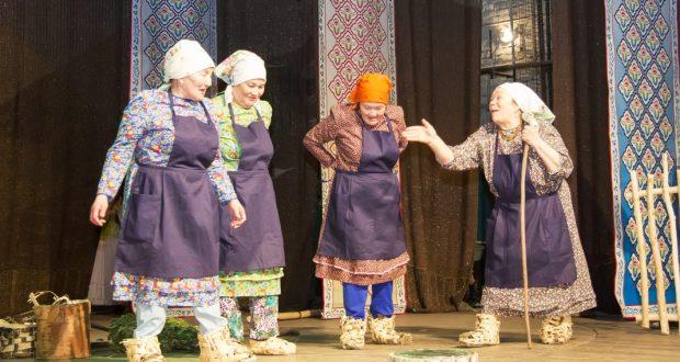 Сибирскотатарские частушки, дробушки и мунаджаты на фестивале в Тюмени