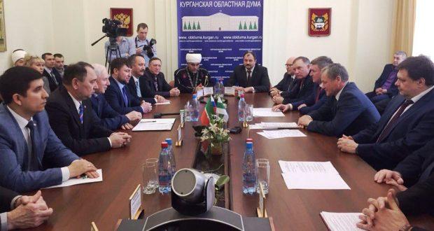 Ринат Закиров встречается с губернатором Курганской области Алексеем Кокориным
