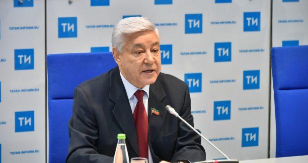 Фәрит Мөхәммәтшин: татар телен өйрәнү балага конкурент көрәштә өстәмә мөмкинлекләр бирә