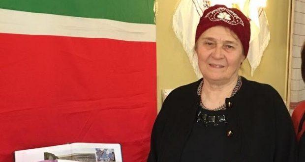 Жительница Брюсселя Роза Абазова на V Всемирном форуме татарских женщин