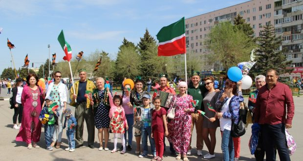 Volga Tatars took part in the May Day demonstration