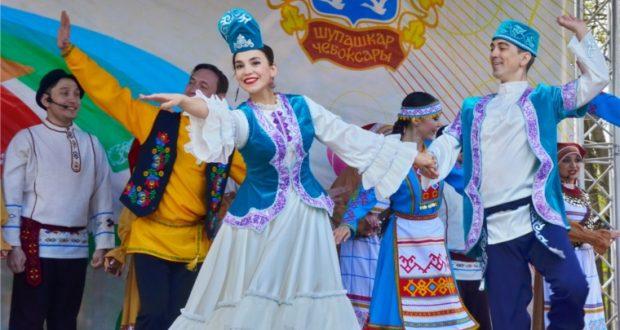 В «Лакреевском лесу» Чебоксар прошел народный татарский праздник «Сабантуй»