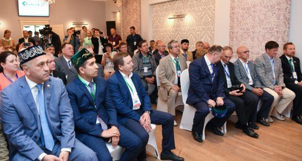Рөстәм Миңнеханов Свердловск өлкәсе татарлары белән очрашты